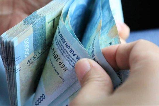 uang premi asuransi