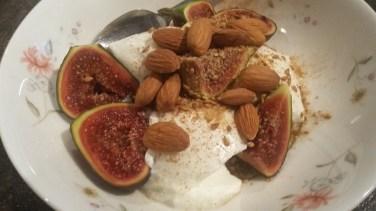 Fresh figs, almonds & yogurt