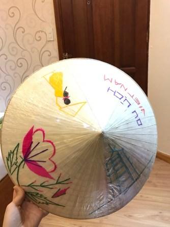 Beautiful non la, the traditional Vietnamese hat