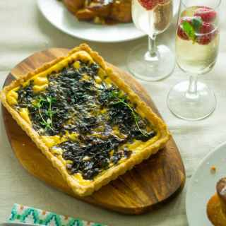 Onion jam, thyme and goats cheese tart