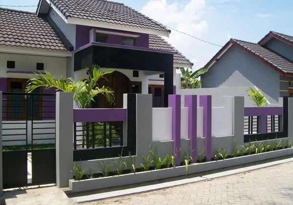 contoh Pagar Rumah dengan kombinasi material tembok dan besi