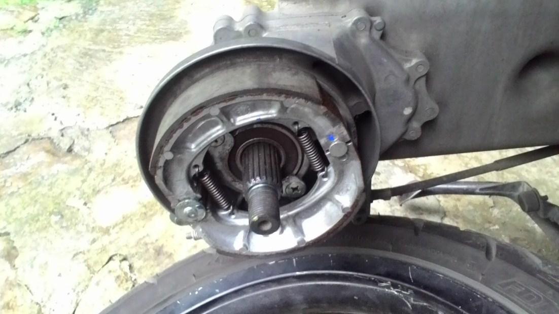 Efek Samping Membiarkan Kampas Rem Motor Habis