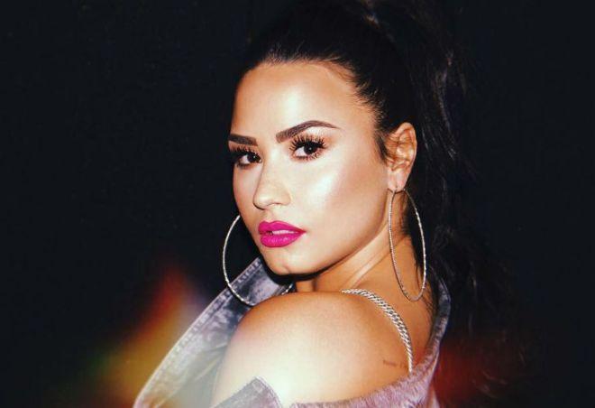 Demi Lovato internada