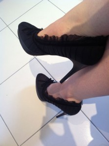 Pleaser Pin Up Bliss 38 Black Satin Court Shoes Review