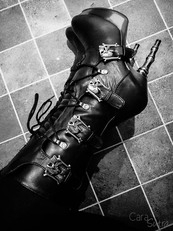 demonia muerto boots cara sutra wearing review 800-9