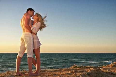 Sun, Sea & Sex: How to Bag a Holiday Hottie & Have The Trip of a Lifetime!