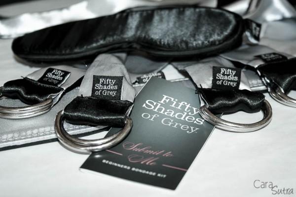 50-shades-bondage-kit-800-28