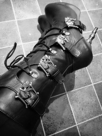 demonia muerto boots cara sutra wearing review 800-10