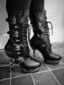 demonia muerto boots cara sutra wearing review 800-27