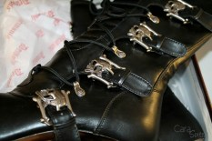 demonia muerto boots review Cara Sutra 800-12