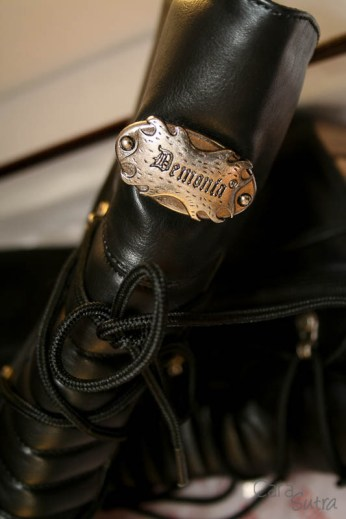demonia muerto boots review Cara Sutra 800-14
