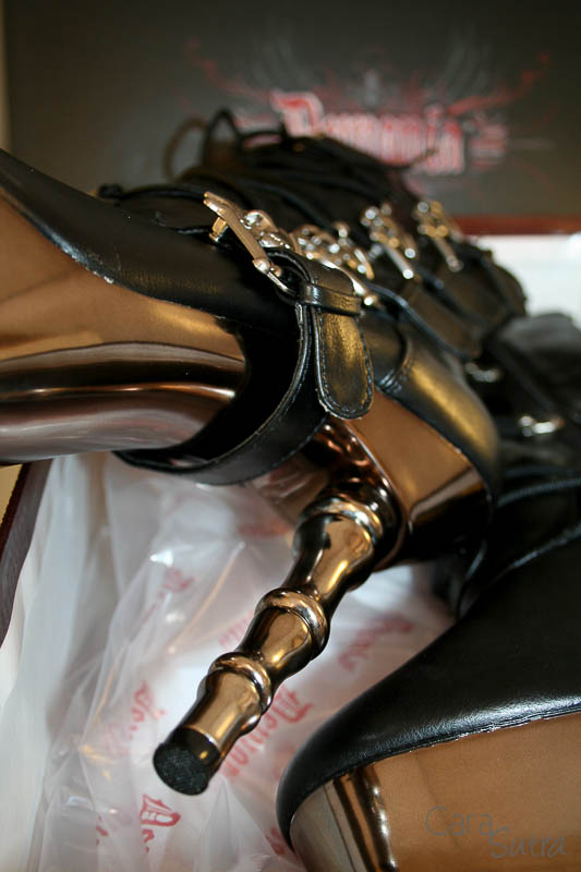 demonia muerto boots review Cara Sutra 800-17