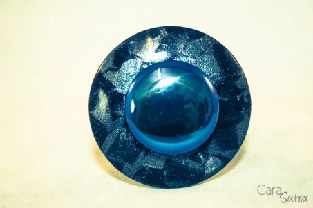 crowned jewels upminster titanium butt plug blue cara sutra review-33