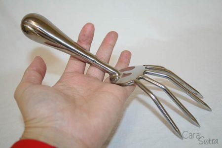 UberKinky Dragon Claws Review | BDSM Sensation Play Tools Reviews