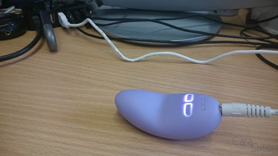 lelo lily 2 scented vibrator cara sutra review-31