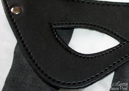 Leg Avenue Kink Faux Leather Studded Eye Mask Review