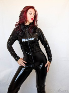 Vawn and Boon PVC Catsuit Review Cara Sutra-11