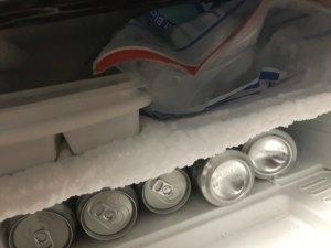 霜だらけの冷蔵庫