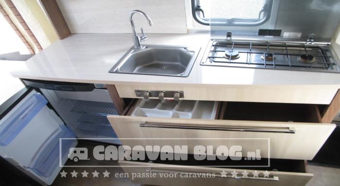 Burstner-Averso-Top-430TS-keukenlade