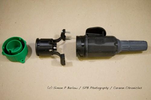 small resolution of 13 pin caravan trailer plug