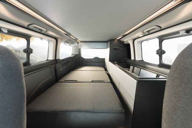 Globevan Made up bed