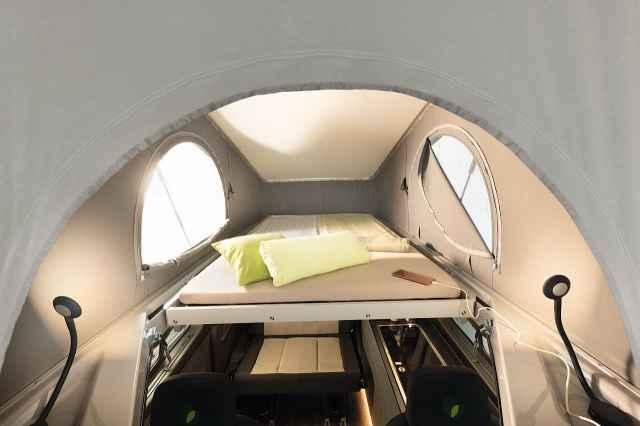 Globevan Pop-up Roof bed