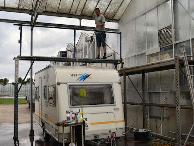 wassen van uw caravan