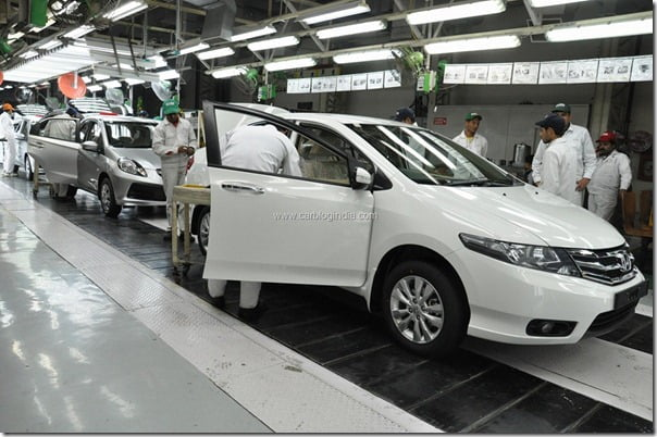 Honda-City-and-Brio-rolling-out-of-the-HSCI-Greater-Noida-Plant