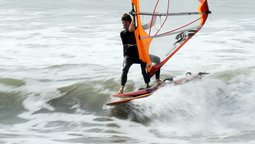 jeff toes on the nose wavesailing in taranaki