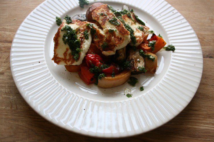 Delicious low carb dinner - roast veg and halloumi with basil and mint drizzle