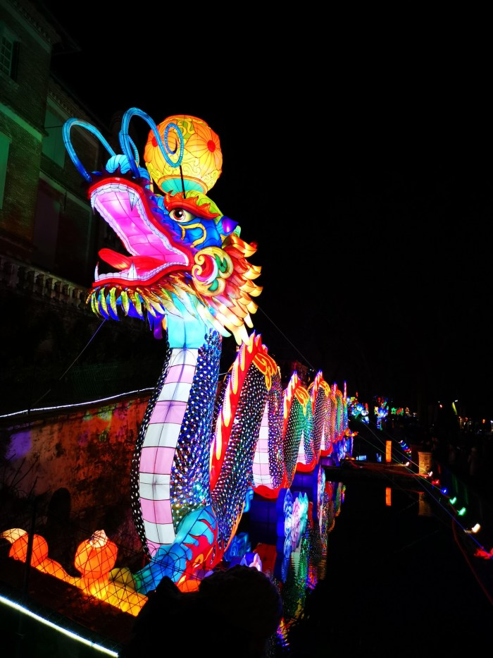 the festival's most impressive monumental lantern dragon