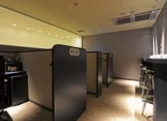 関西国際空港 KIXエアポートラウンジ スモーキングルーム