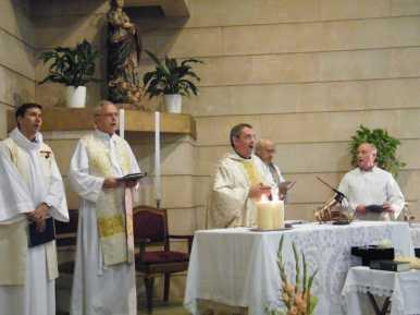 Primera missa Fra Pere Cala Millor 6-10-2013 008
