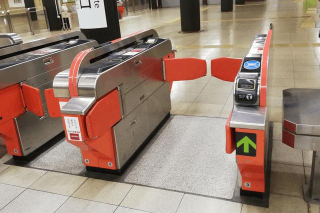 福岡地下鉄の改札口