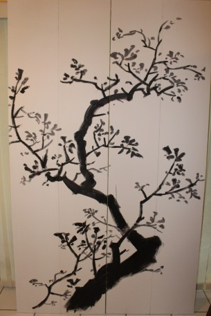 Nothing original here. I just copied an ancient sumi painting.