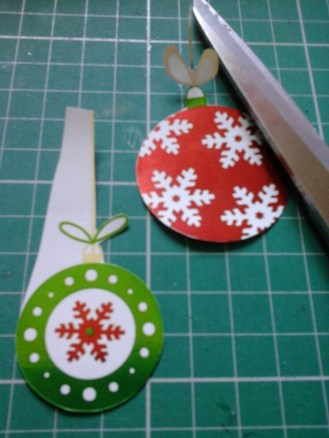 I love to fussy cut even the delicate bows and the colours really pop on the card