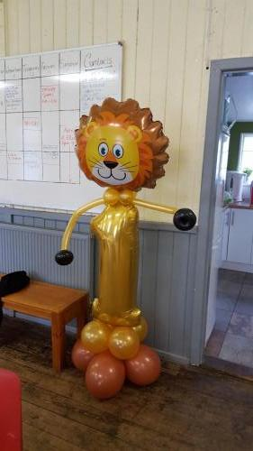 Lion Number 1. Great fun character for a birthday. Available in other ages and animals from #cardiffballoons
