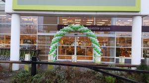 Large Spiral Arch by Cardiff Balloons Outside Homesense Cardiff