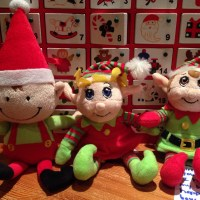 25 easy ideas for Elf on the Shelf - suitable for young children
