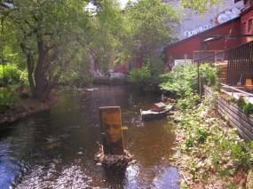 Art in Akerselva next to Blå & Hausmania