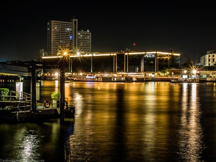 Night photography by the river.
