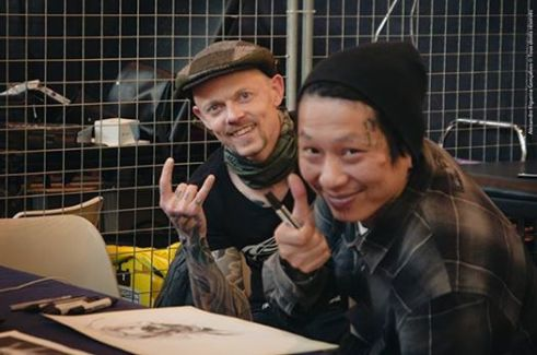 With Zia at Linas tattoo Convention, France. Photo: Alexandre / Linas Tattoo