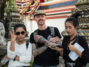 These girls arrested me in Wat Pho.