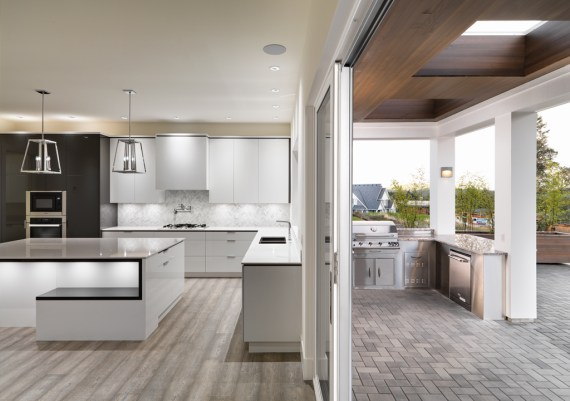 Gold - Terry Johal Developments and South Shore Cabinetry - Moderno