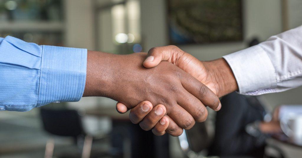 法律事務所に転職するときの注意点は?良い事務所を見分けるポイントや仕事内容について解説