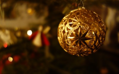8 Ways Job Seekers Can Leverage Social Media During the Holidays