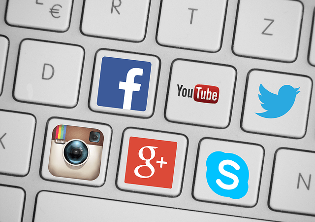 12 Ways To Use Social Media When Switching Careers