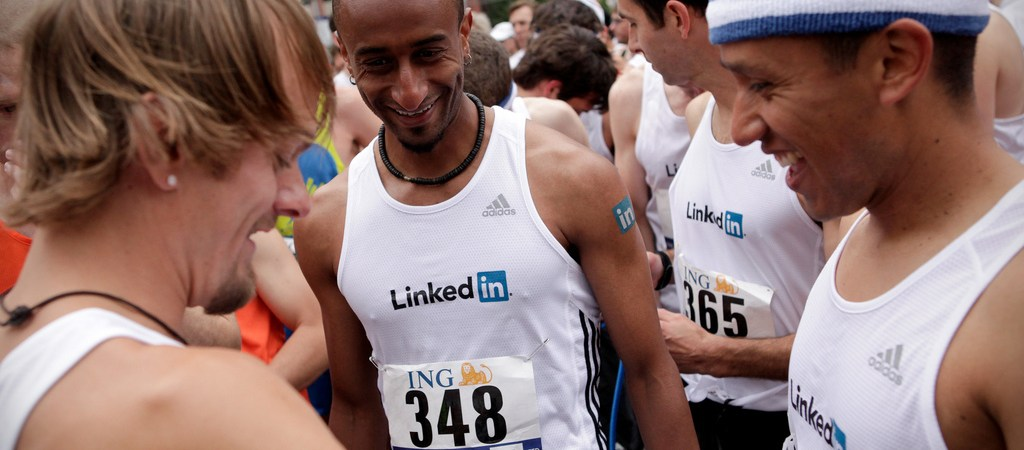 4 Steps When Contacting A Stranger On LinkedIn