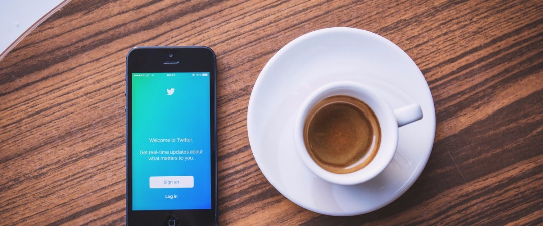 9 Strategies Graduates Can Find Dream Job Through Social Media