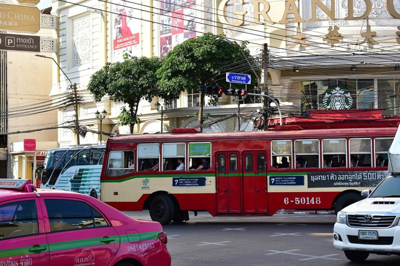 Thailand on a budget: local buses are cheaper to use than tuk-tuks